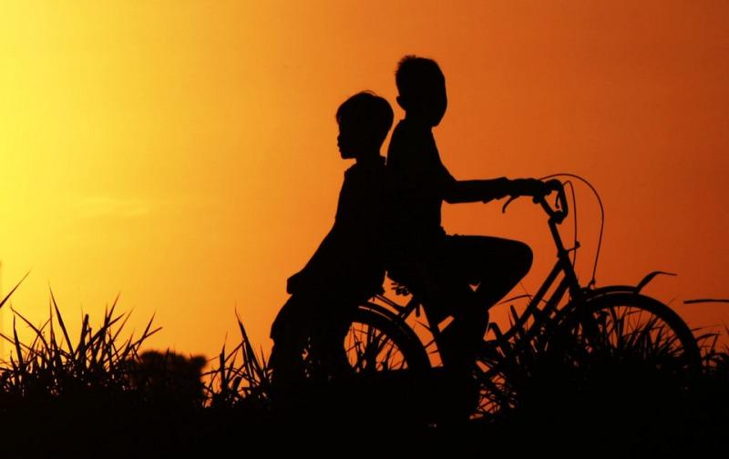 Manfaat Persahabatan dan Cara Mempertahankan Persahabatan Sumber gambar fotokita[.]net