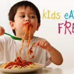 Mengapa Psikolog Tidak Menganjurkan Makan Sambil Bermain