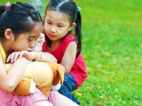 Mengajarkan Sikap dan Perasaan Empati Pada Anak