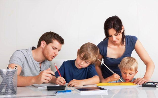 Orang Tua Harus Siap Bantu Anak Menghadapi Pelajaran Sulit